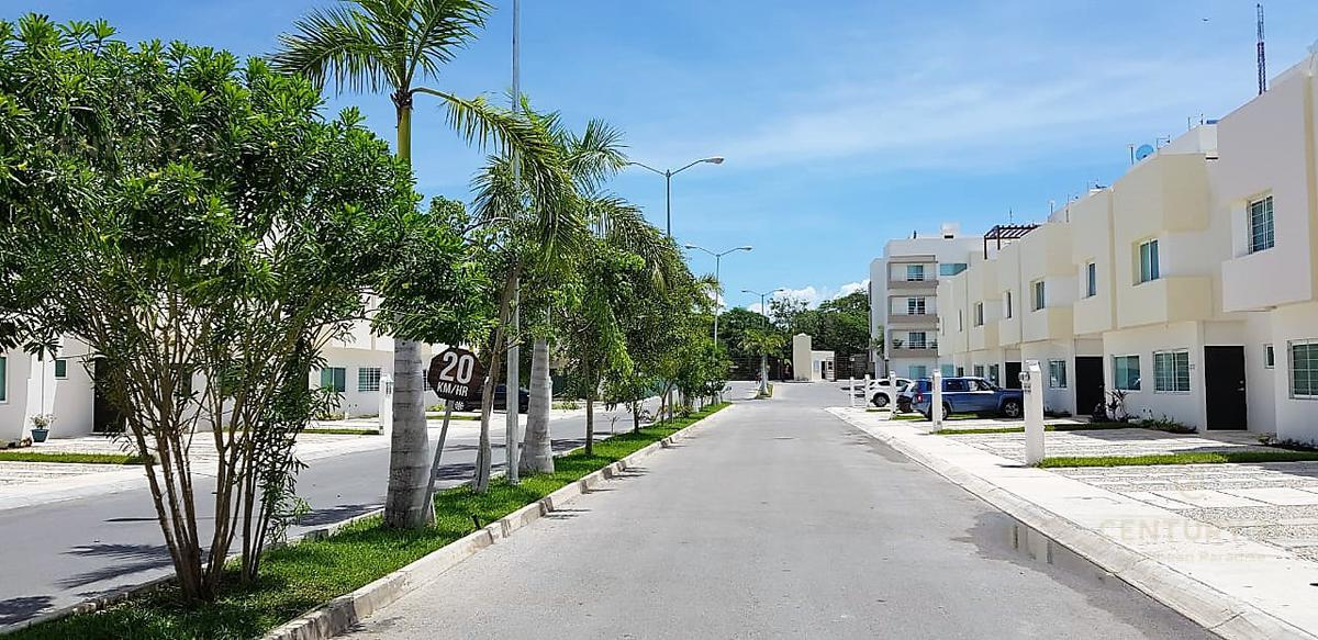 Playa del Carmen House for Sale scene image 18