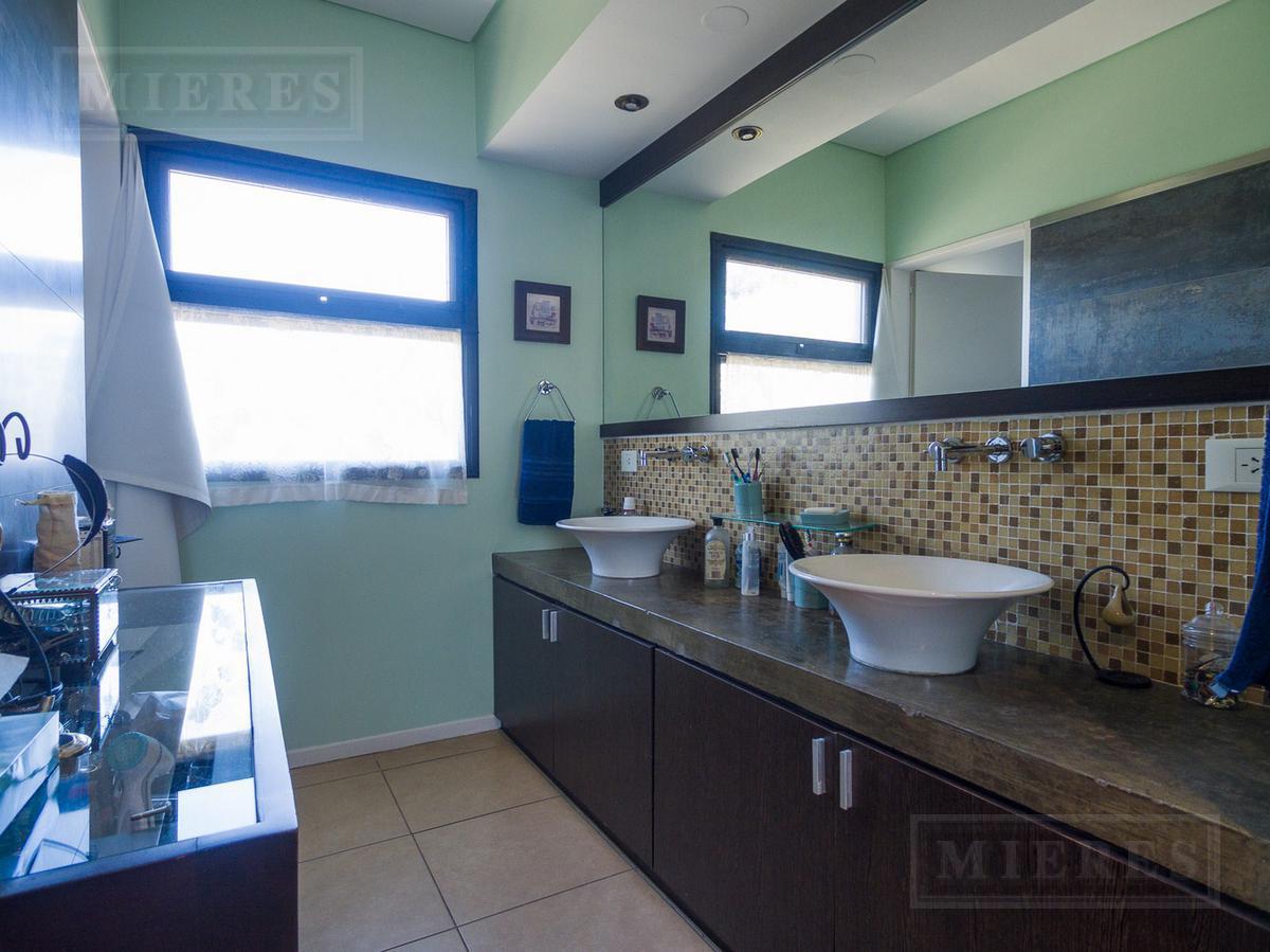 Casa en venta en Talar Del Lago II