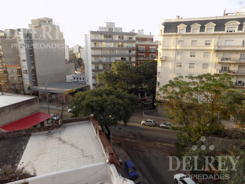 Foto Departamento en Alquiler en  Pocitos ,  Montevideo  21 de Setiembre y Sarmiento