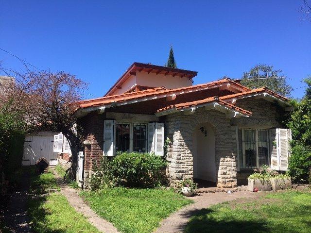 Foto Casa en Alquiler temporario en  Guemes ,  Mar Del Plata  sarmiento 3428