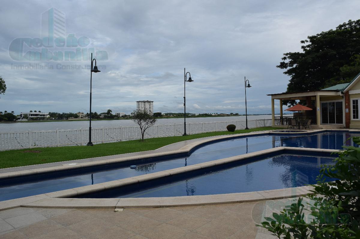 Foto Departamento en Venta en  Samborondón ,  Guayas  VENDO DEPARTAMENTO  FRENTE AL RÍO  KM 5.5 VÍA SAMBORONDON