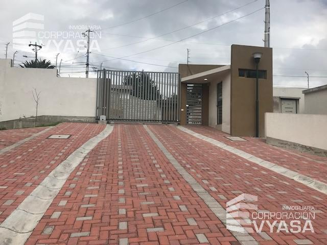 Foto Casa en Venta en  Rumiñahui ,  Pichincha  VALLE DE LOS CHILLOS - San Carlos de Alangasí, A ESTRENAR CASA DE VENTA 116 M2  (C-3)