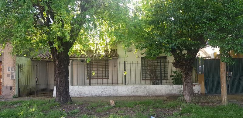 Foto Casa en Venta en  Lomas de Zamora Oeste,  Lomas De Zamora  Boero 39