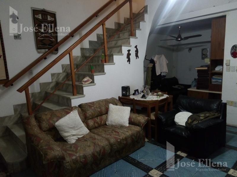 Foto Casa en Venta en  Rosario ,  Santa Fe  LAVALLE al 1300