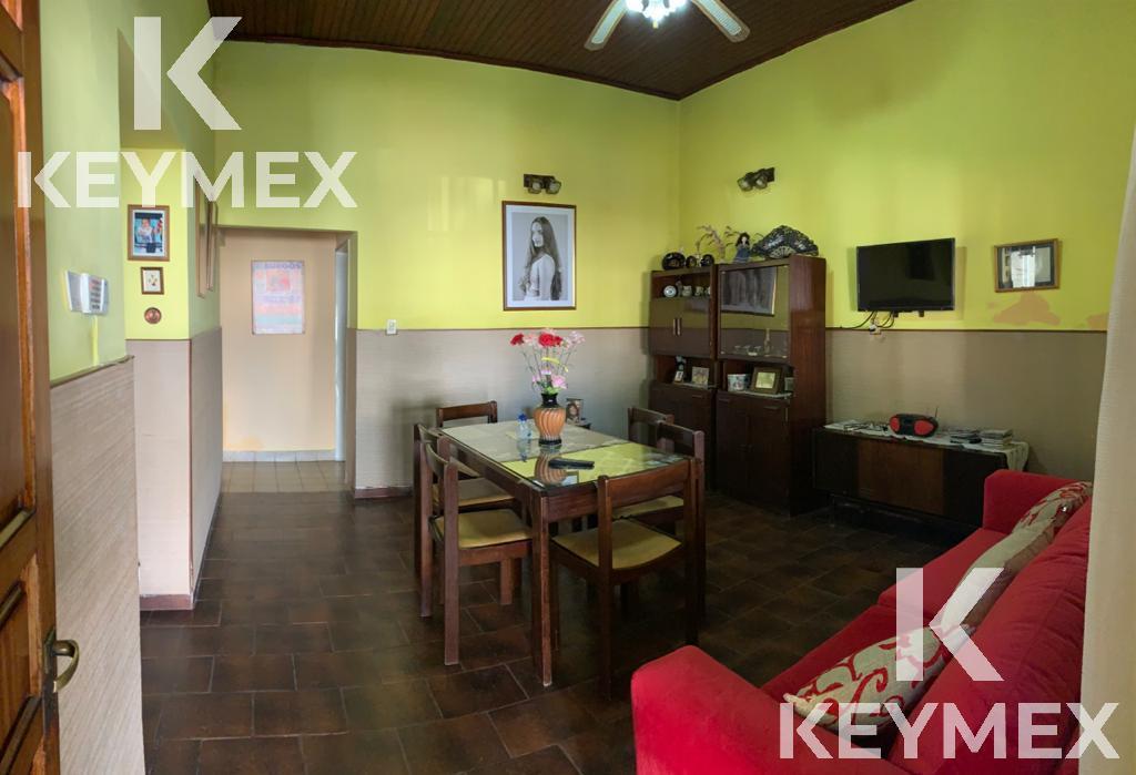 Foto Casa en Venta en  Villa Elvira,  La Plata  10 e/75 y 76