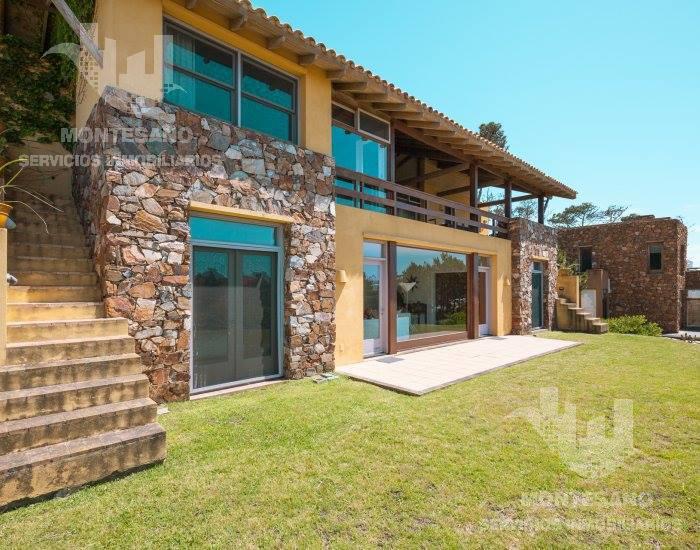 Foto Casa en Alquiler temporario en  Punta del Este ,  Maldonado  Laguna Blanca