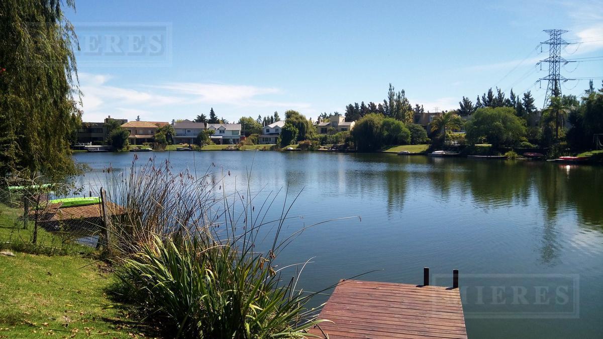 Casa a la laguna en Venta