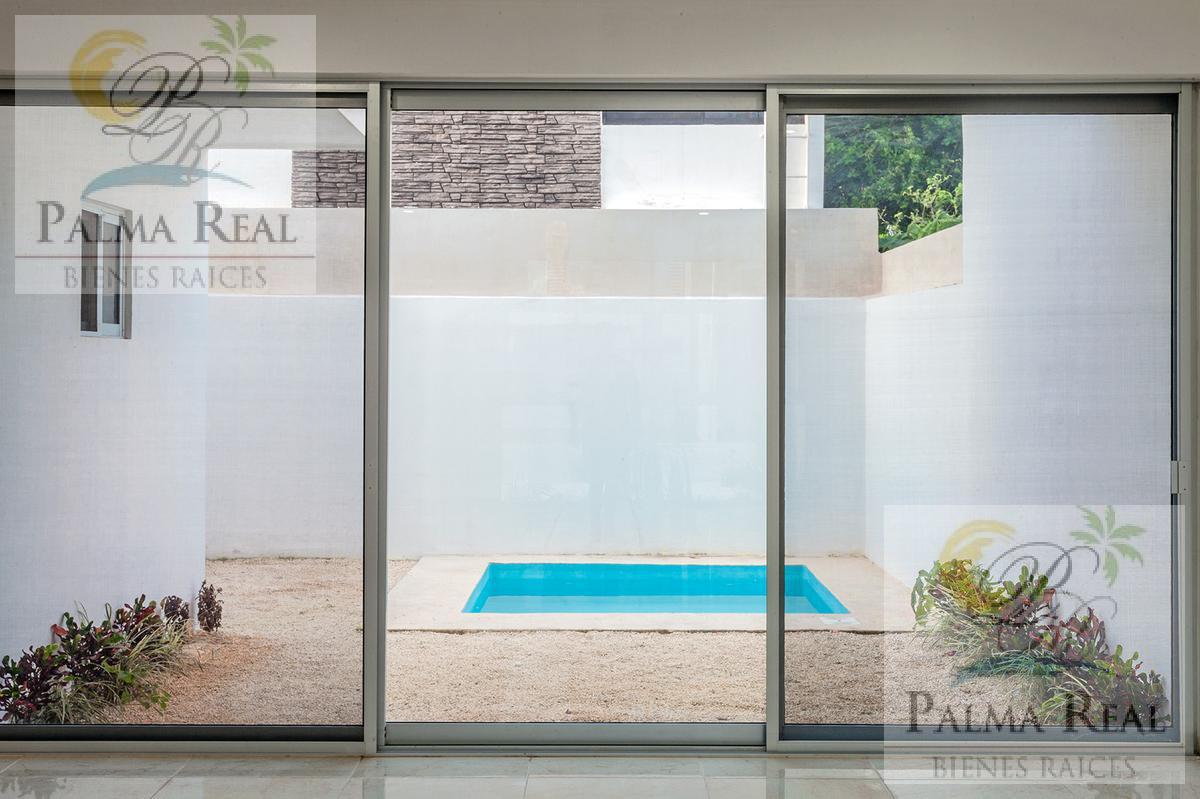 Foto Casa en Venta en  Cancún ,  Quintana Roo  ARQUITECTURA MODERNA CON DISEÑO !
