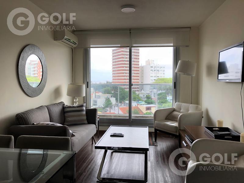 Foto Departamento en Alquiler en  Punta Carretas ,  Montevideo  Apartamento de 1 dormitorio equipado con garaje