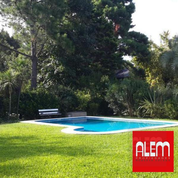 Foto Casa en Venta en  Tristan Suarez,  Ezeiza  El Ombu   3 Dorm.  Parque y Pileta!
