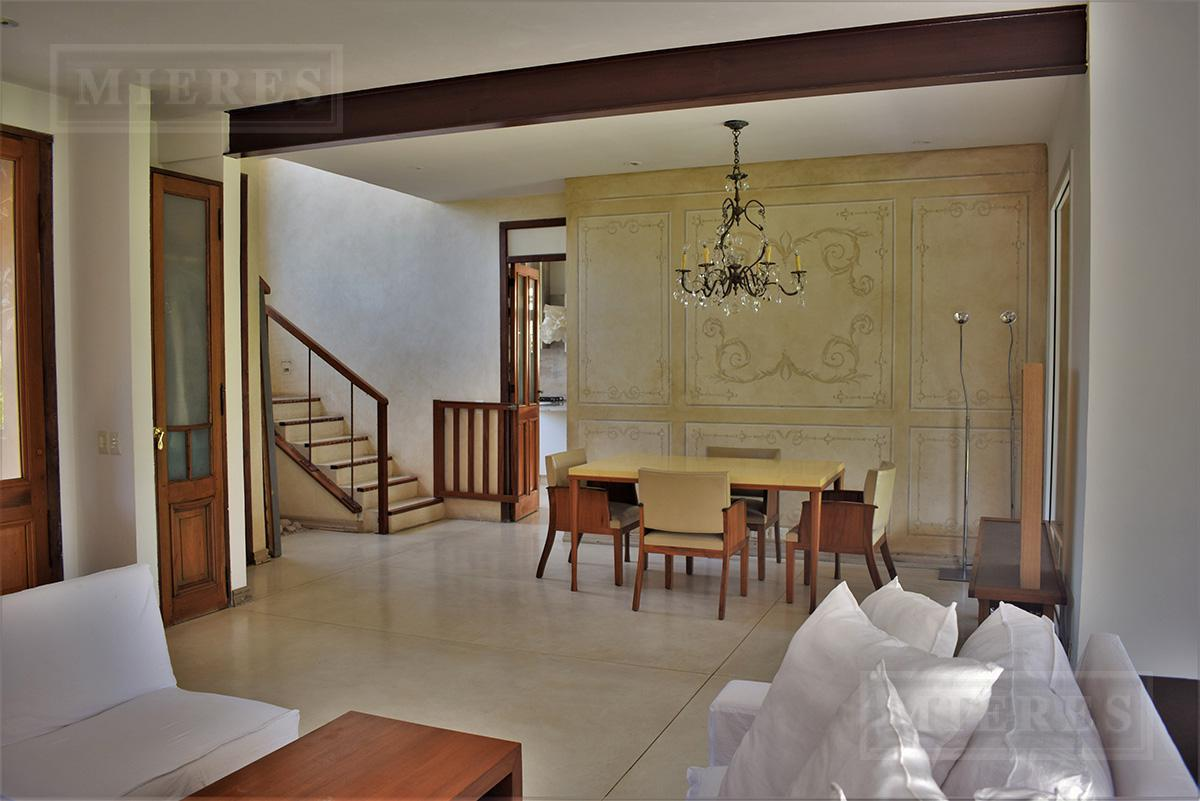 Mieres Propiedades - Casa de 230 mts. en La Pradera