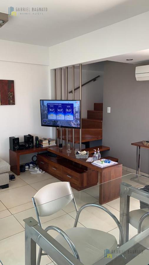 Foto Departamento en Venta en  Quilmes,  Quilmes  Sarmiento 968 5A