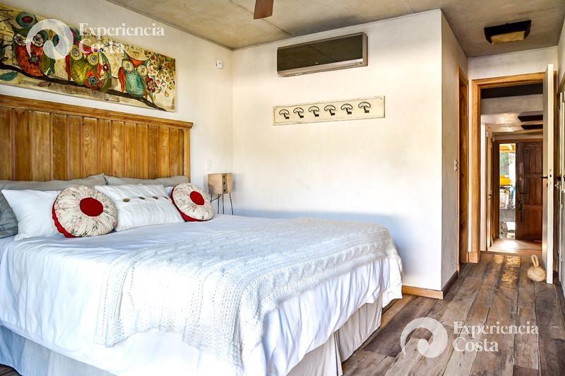 Foto Casa en Alquiler temporario | Alquiler en  Barrio Costa Esmeralda,  Pinamar  Casa Piedra - Maritimo - Lote 4 y 5
