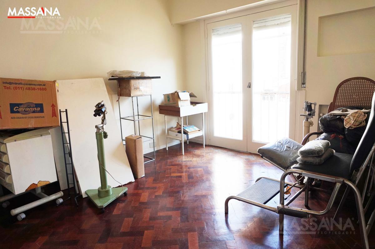Foto Departamento en Venta en  Balvanera ,  Capital Federal  Pasteur al 700