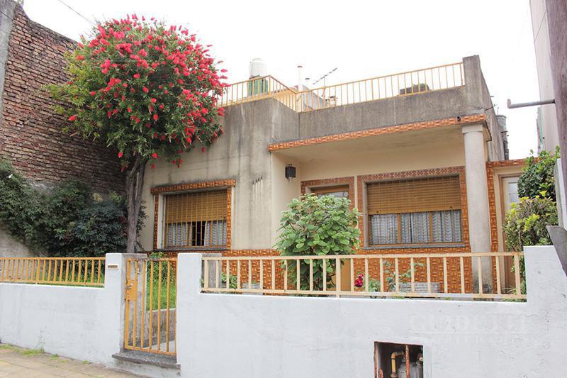 Foto Casa en Venta en  Saavedra ,  Capital Federal  DEHEZA entre CONDE y PINTO