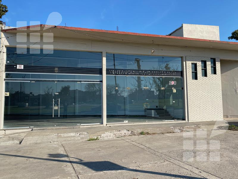Foto Local en Alquiler en  La Plata ,  G.B.A. Zona Sur  7 y  528
