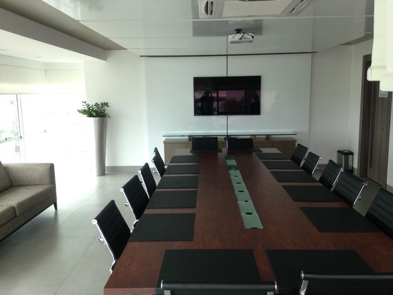 Foto Oficina en Venta en  Norte de Guayaquil,  Guayaquil  VENDO DE OPORTUNIDAD OFICINA CERCA DEL AEROPUERTO