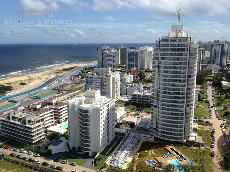 Foto Apartamento en Venta en  Aidy Grill,  Punta del Este  Lenguas de Diamante y Juana de América