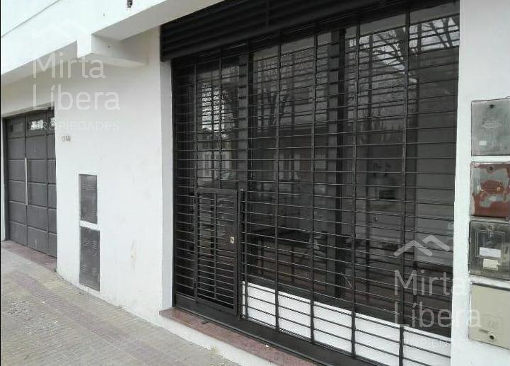 Foto Local en Alquiler en  La Plata ,  G.B.A. Zona Sur  Calle 30 67 y 68