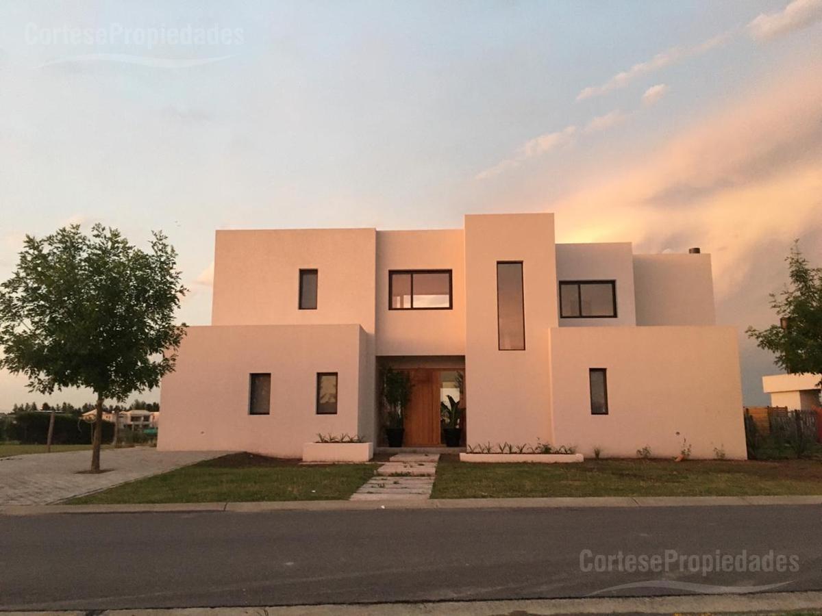 Foto Casa en Venta en  Villanueva,  Countries/B.Cerrado (Tigre)  Barrio San Gabriel a la Laguna!!