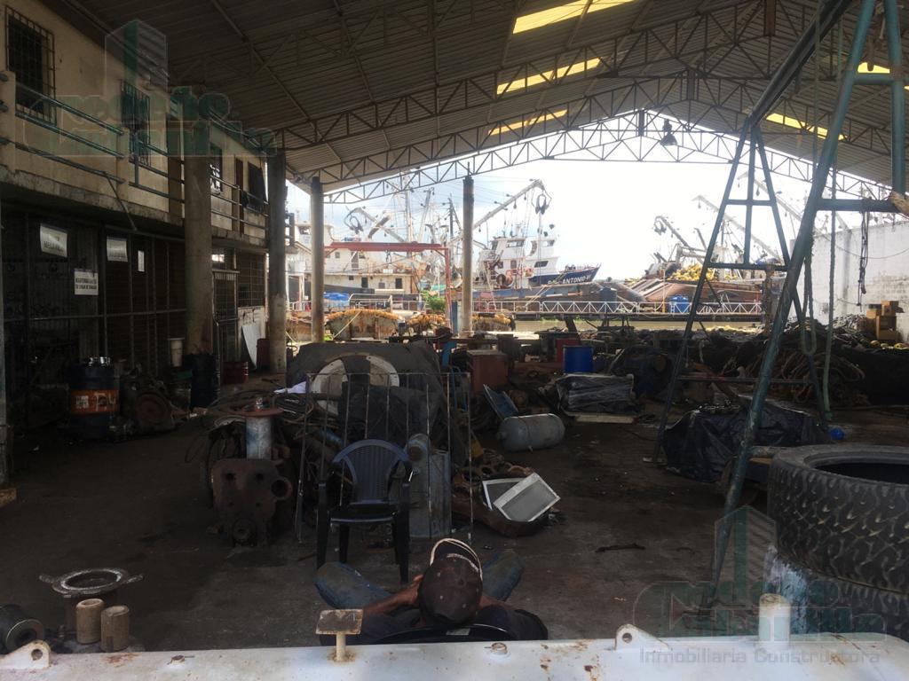 Foto Nave Industrial en Venta en  Sur de Guayaquil,  Guayaquil  VENDO ASTILLERO CON OFICINA Y BODEGAS