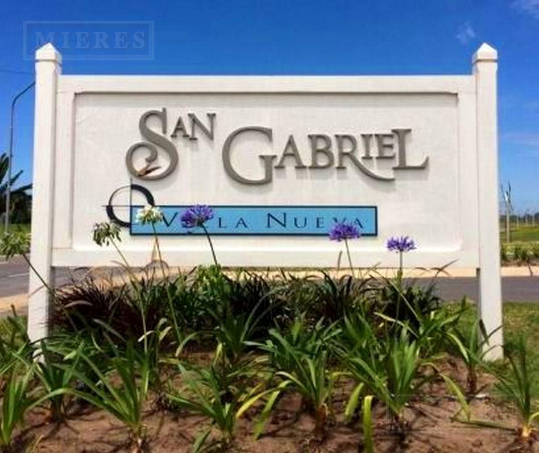 Casa en Venta en el barrio San Gabriel sobre lote Interno, a Estrenar - Estilo Racionalista