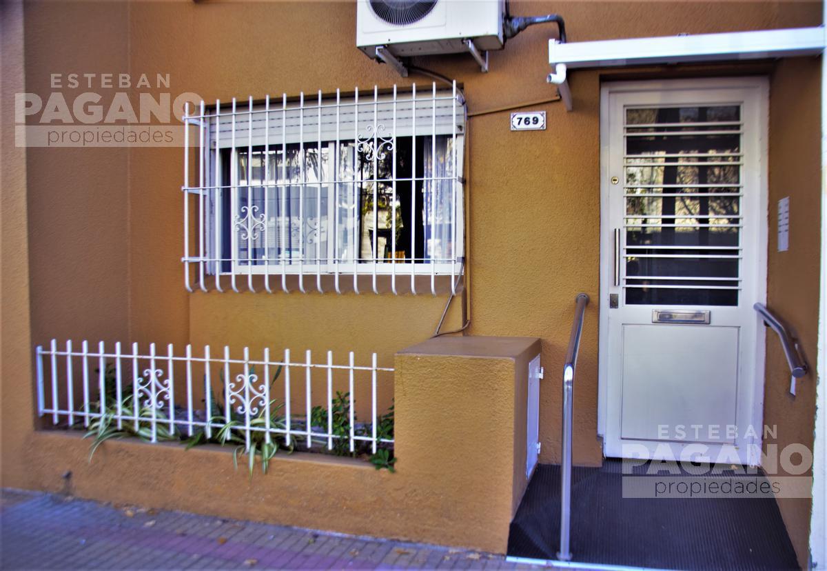 Foto Departamento en Venta en  La Plata ,  G.B.A. Zona Sur  64 E/ 10 Y 11 Nº 769