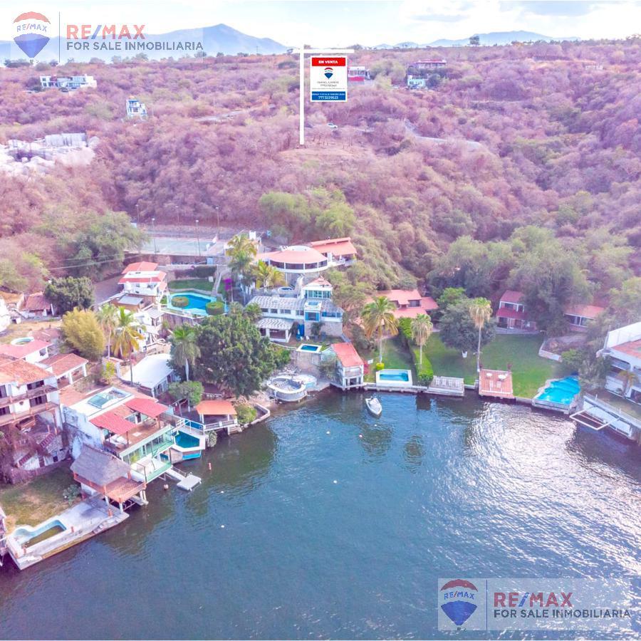 Foto Terreno en Venta en  Pueblo Tequesquitengo,  Jojutla  Oportunidad! Terreno con vista al Lago de Tequesquitengo…Clave 3426