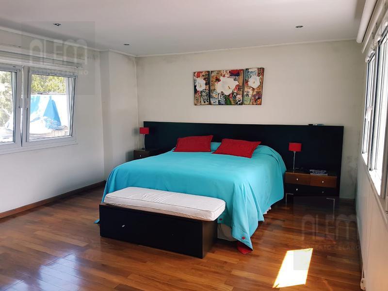 Foto Casa en Venta en  Esteban Echeverria ,  G.B.A. Zona Sur  Echeverria del Lago