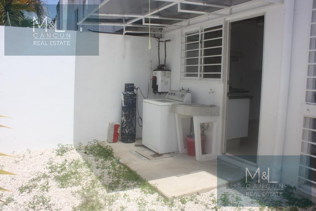 Foto Casa en Renta | Venta en  Villa Marino,  Cancún  VILLA MARINO Casa en VENTA o  RENTA de 3 recámaras 1 baño amueblada  en Cancún, Quintana Roo
