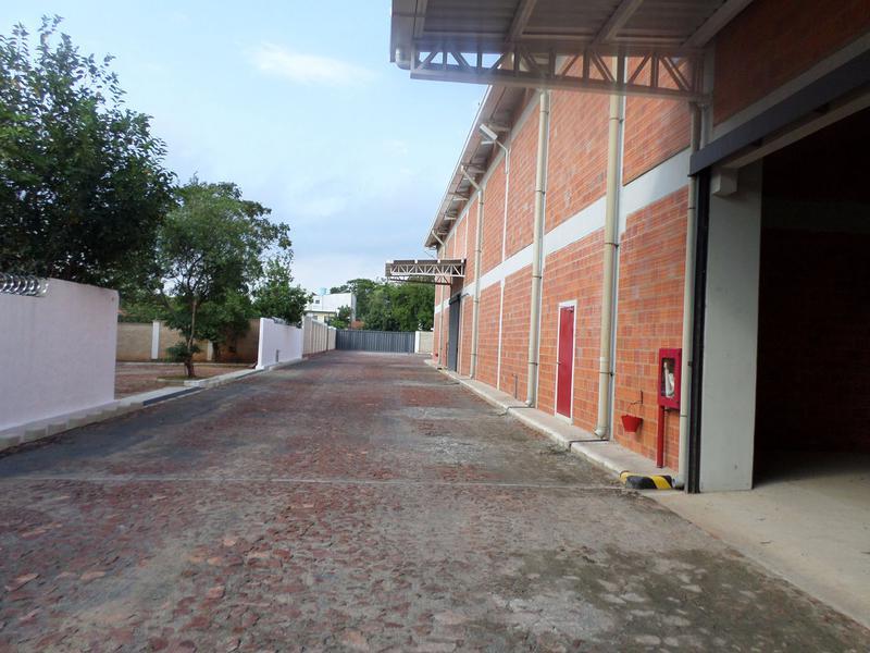 Foto Depósito en Alquiler en  Corregir Ubicación ,  Ciudad de Mexico  Alquilo Deposito A Estrenar De 1500 m2 Con Oficinas Zona Ruta Luque San Lorenzo