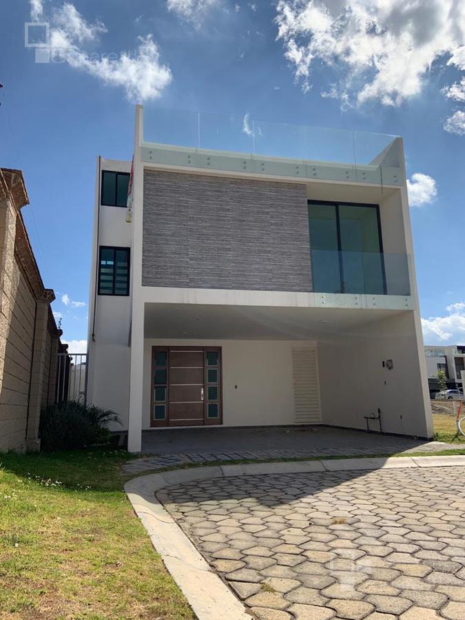 Foto Casa en Venta |  en  Fraccionamiento Lomas de  Angelópolis,  San Andrés Cholula  Casa de 300 m2 en Parque Querétaro, Cascatta II, Lomas de Angelópolis