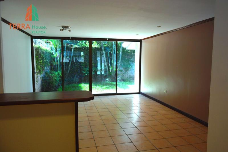 Foto Casa en Renta en  Piedades,  Santa Ana  SE ALQUILA LINDA CASA DE 1 PLANTA Y JARDIN, PIEDADES DE SANTA ANA.