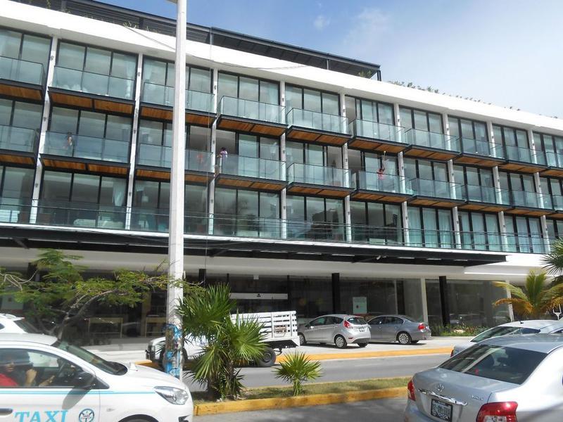 Foto Local en Renta en  Playa del Carmen ,  Quintana Roo  SE RENTA LOCAL AVENIDA 10 PLAYA DEL CARMEN P1752