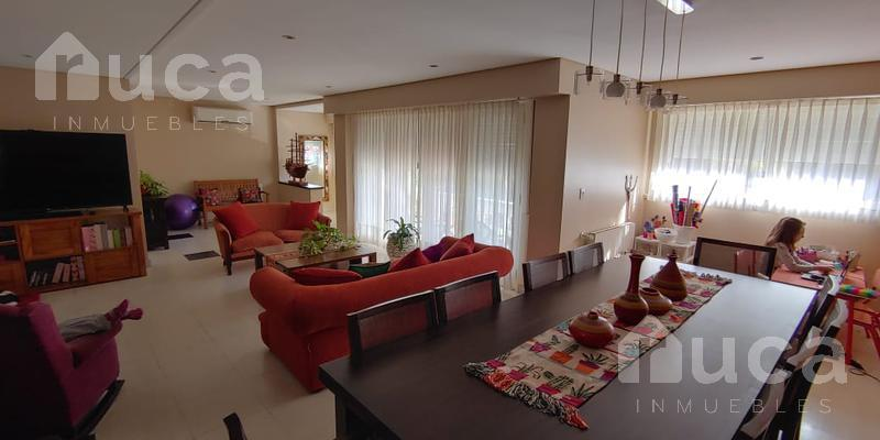 Foto Casa en Venta en  Tigre ,  G.B.A. Zona Norte  Importante casa de 4 dormitorios en exclusiva zona | Paseo Victorica