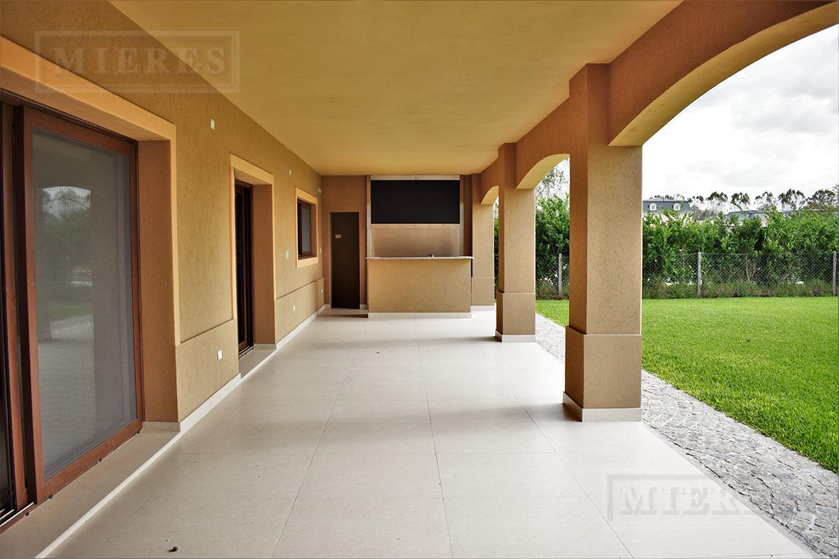 Mieres Propiedades - Casa de 419 mts. en La Lomada