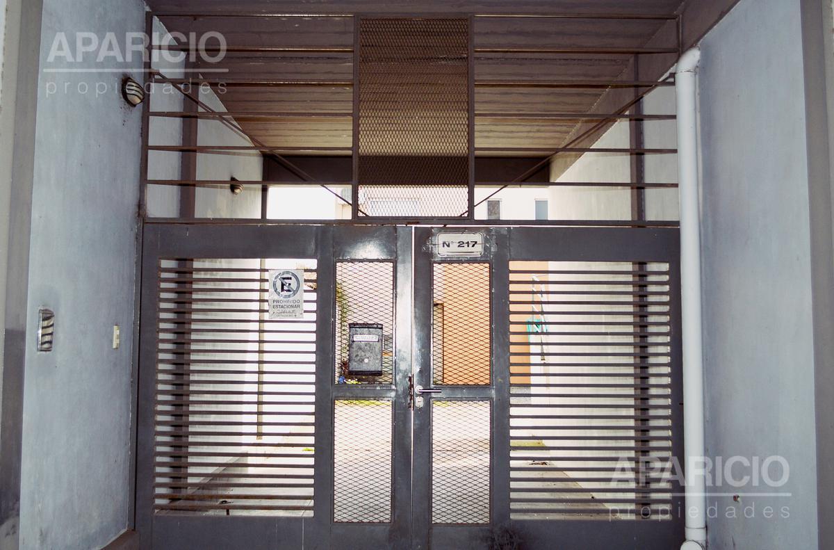 Foto Departamento en Alquiler en  La Plata ,  G.B.A. Zona Sur  80 entre 115 y 116
