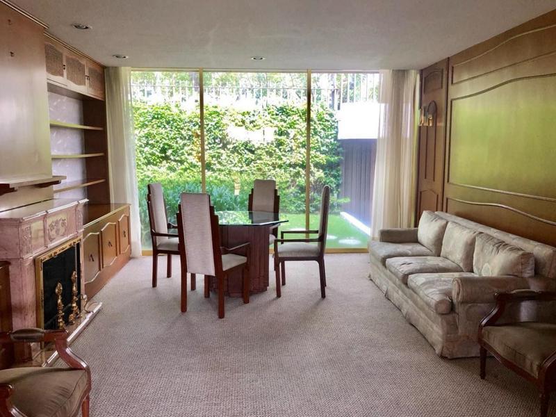 Foto Casa en Venta en  Bosque de las Lomas,  Miguel Hidalgo  Casa en Venta en Bosques de las Lomas de 2 niveles y jardín