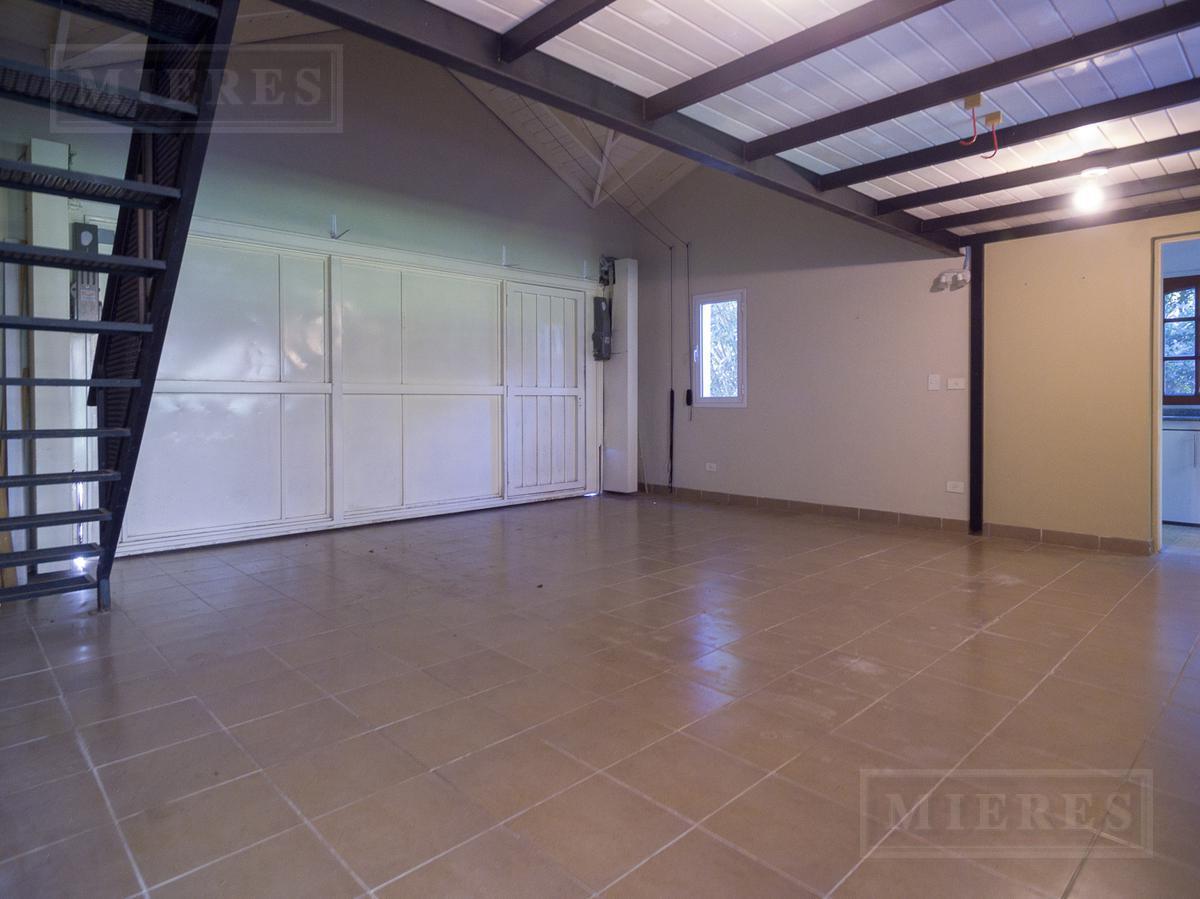 Casa en venta en  La Celina