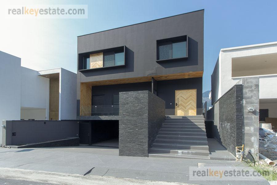 Foto Casa en Venta en  Monterrey ,  Nuevo León  CASA EN VENTA EN CATUJANES, CARRETERA NACIONAL, MONTERREY