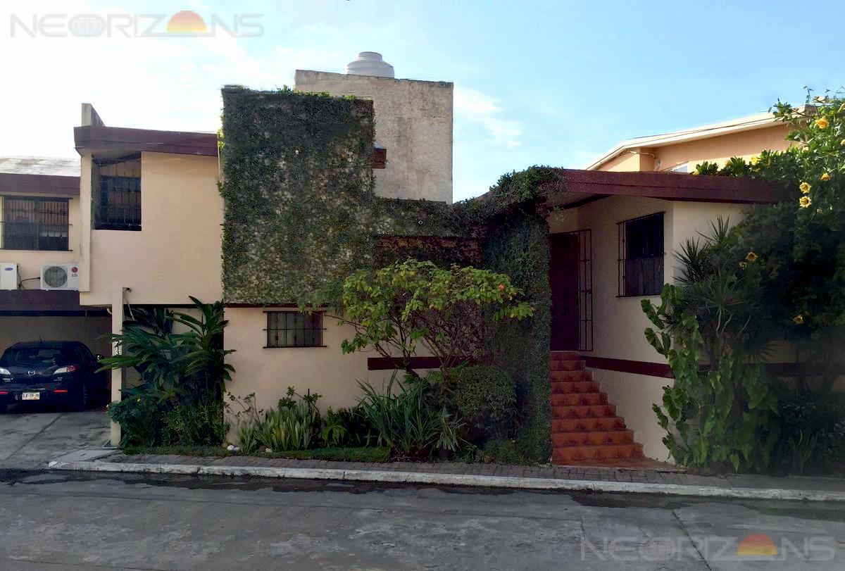 Foto Casa en Venta en  Flamboyanes,  Tampico  Casa en Venta Fracc. Flamboyanes, Tampico. Excelente Oportunidad