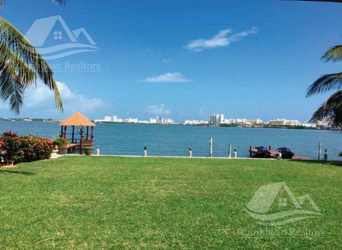 Foto Departamento en Renta en  Cancún ,  Quintana Roo  Departamento en venta en Cancun zona hotelera / Isla Dorada