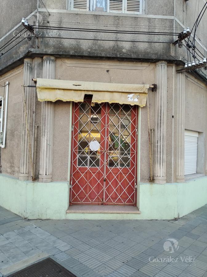 Foto Local en Alquiler en  Carmelo ,  Colonia  Calle Sarandí esquina Roosevelt