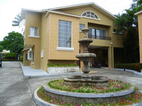Foto Casa en condominio en Renta en  Res. Los Arcos,  San Pedro Sula  Townhouse en Renta en Res. Los Arcos