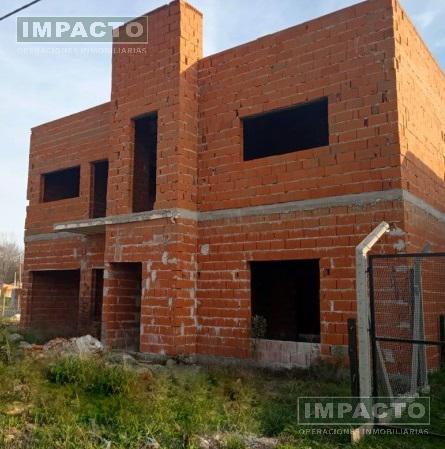 Foto Casa en Venta en  Cañuelas ,  G.B.A. Zona Sur  Salvador Mazza entre Santa Fe y Tucuman