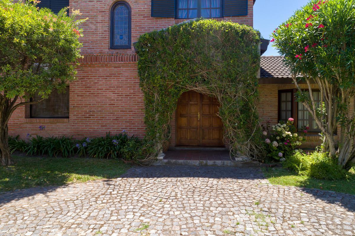 Casa en venta apto credito Maschwitz Privado