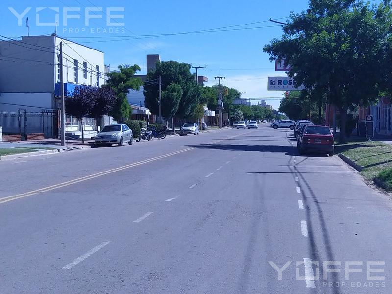 Foto Local Comercial en Venta en  Capital ,  La Pampa  Capital