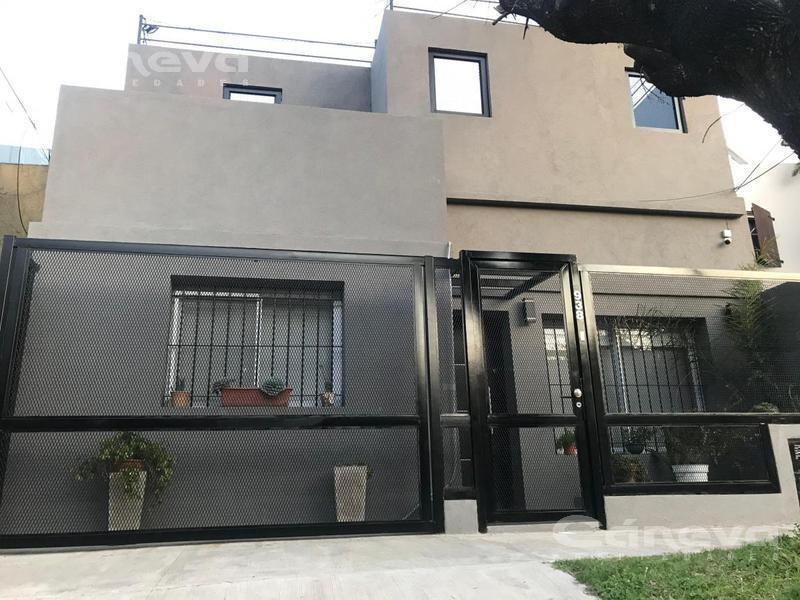 Foto Casa en Venta en  Martinez,  San Isidro  Monseñor Larumbe