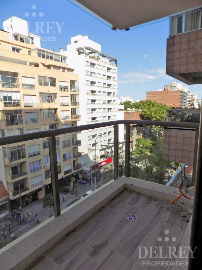 Foto Departamento en Venta en  Punta Carretas ,  Montevideo  21 de Setiembre   y Williman. Piso 5