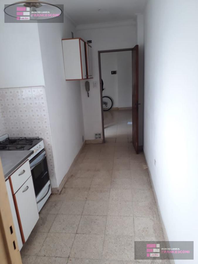 Foto Departamento en Alquiler en  La Plata,  La Plata  2 44 y 45